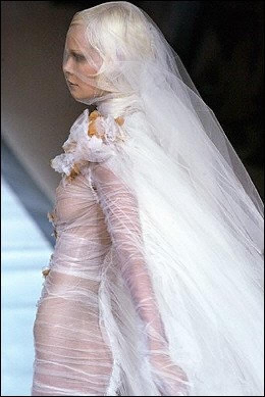 Komische Hochzeitskleider - Bilder auf bildschirmarbeiter.com