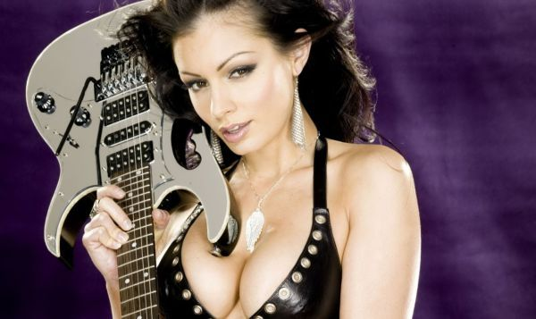 Sexy Guitar Girls